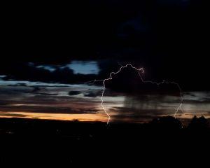 lightning1.jpg